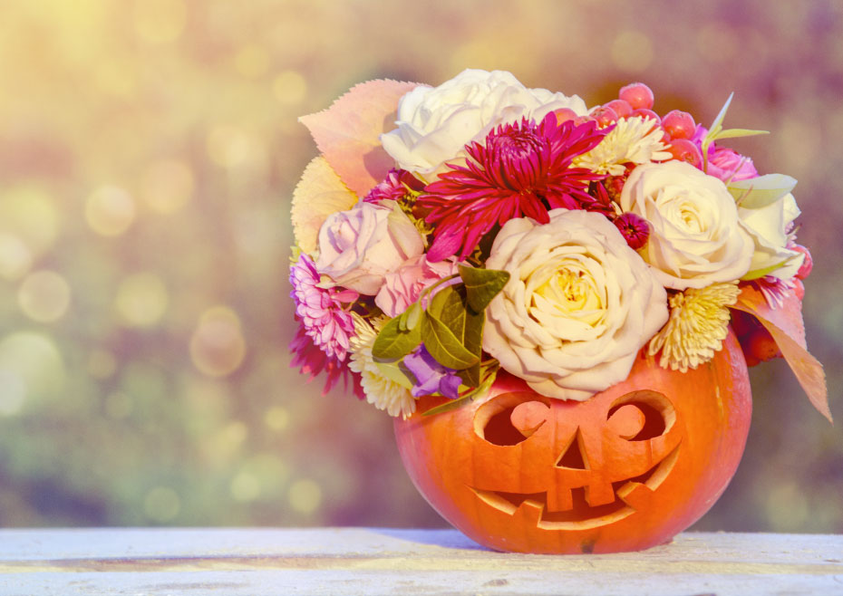 Make Your Halloween Decor Special With These Mixed Bouquet Ideas