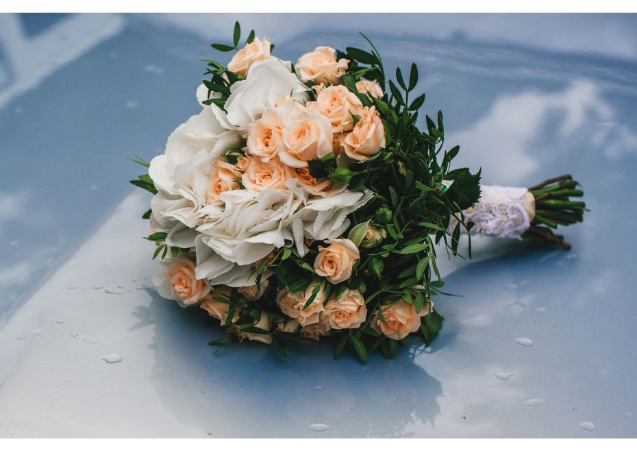 How To Use Lilies To Make A Stunning Wedding Bouquet?